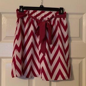 Chevron print above the knee skirt